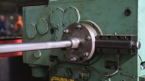 Fazer à máquina industrial do metal vídeos de arquivo