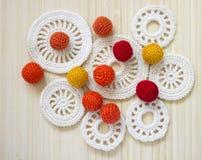 Fazer crochê grânulos e os elementos brancos do vintage do irlandês fazem crochê Imagem de Stock Royalty Free