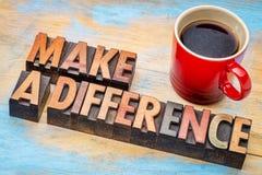 Fazer a diferença no tipo de madeira imagens de stock