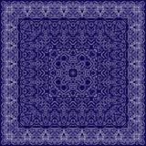 Fazzoletto blu con l'ornamento bianco Fotografia Stock