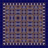 Fazzoletto blu con l'ornamento dorato Fotografie Stock Libere da Diritti
