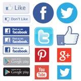 Fb facebook, kvittrande, som fyndet youtube och mest pinterest logoer Royaltyfria Foton