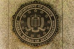 FBI-Emblem auf dem J Edgar Hoover F B I Gebäude in im Stadtzentrum gelegenem Wa Lizenzfreie Stockfotos