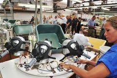 Fábrica das máscaras de gás Fotografia de Stock