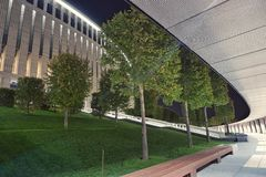 fc新的现代体育场krasnodar在晚上 免版税库存图片