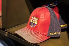 FC Barcelona da loja, roupa e equipe oficiais dos calçados das lembranças e da parafernália para fãs da equipe e dos visitantes d Imagens de Stock Royalty Free