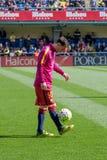 FC Barcelonafotbollsspelare värmer upp före den LaLiga matchen mellan Villarreal CF och FCet Barcelona Arkivfoto