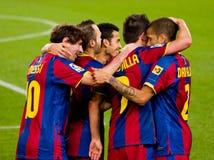 FC de spelers die van Barcelona een doel vieren stock foto