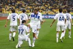 FC de spelers van Kyiv van de dynamo vieren een doel Stock Fotografie