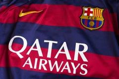 FC het embleem van Barcelona op Jersey Stock Foto
