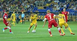 FC Metalist contre l'allumette de football de FC Illichivets Images stock
