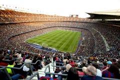 FC overvolle het stadion van Barcelona Stock Foto