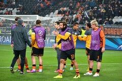 FC Shakhtar som förbereder sig för matchen av mästareligan Arkivbild