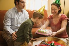födelsedagfamiljdeltagare Arkivbilder