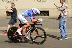 FDJ Zespalają się konkurenta przy wysoką prędkością przy Giro 2017, Mediolan Fotografia Royalty Free