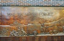fdny мемориальная стена стоковая фотография rf