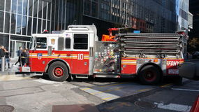 FDNY-brandlastbil Royaltyfria Bilder