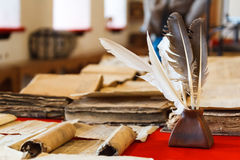 Feathers and inkpot Royalty Free Stock Photos
