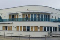 14 febbraio danni provocati dal maltempo 2014, impiegati che eliminano danno dopo la t Fotografia Stock Libera da Diritti