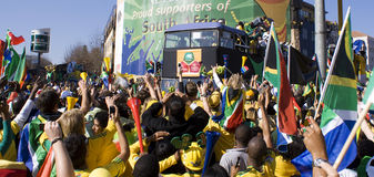 A febre do futebol do copo de mundo prende ruas de Sandton Foto de Stock Royalty Free