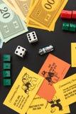 8. Februar 2015: Houston, TX, USA Monopolgeld, Torte spielend Lizenzfreie Stockfotografie