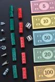 8. Februar 2015: Houston, TX, USA Monopolgeld und Spielen Lizenzfreie Stockbilder