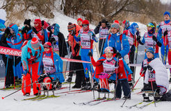 11. Februar 2017 Skirennen-Nikolov Perevoz Russialoppet des Kunst--Veretevozustandes jährlicher Skimarathon 2017 Paralympic-Renne Lizenzfreie Stockfotografie