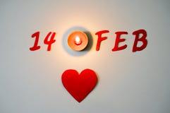 14. Februar Symbol- und Kerzenlicht Stockbild