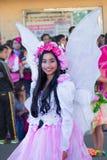 27 februari, 2015 Baguio, Filippijnen De Bloemfestival van Baguiocitys Panagbenga Niet geïdentificeerde mensen op parade in Carna Stock Afbeeldingen