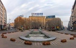 27 februari 2017 - Belgrado, Servië - een vierkant in het centrum van Belgrado vroeg in de ochtend Stock Foto