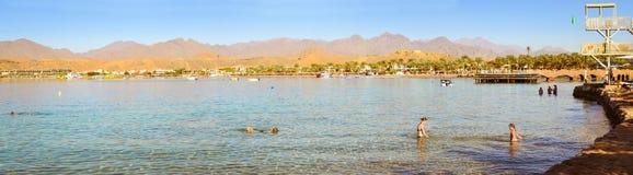 Februari-dag op het strand in Sharm el Sheikh Royalty-vrije Stock Foto