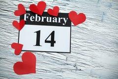 14 februari, de dag van Valentine, hart van rood document Royalty-vrije Stock Afbeelding