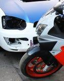 Februari 8, 2017, Kiev, Ukraina; Honda CBR och Subaru Impreza STI royaltyfri foto