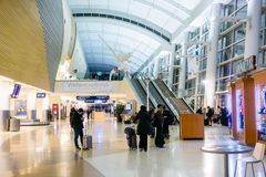 Februari 23, 2019 San Jose/CA/USA - inre sikt av normand Y Mineta San Jose International Airport royaltyfri fotografi