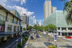 Februari 24, 2018 trafik i Makati avenysikt från grönt bälte 3, Makati stad, Merto Manila royaltyfri foto