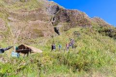 Februari 18, 2018 turister till Mt Pinatubo krater sjö, Capas Royaltyfria Foton