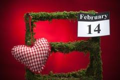 Februari 14, valentin dag, röd hjärta Arkivbilder
