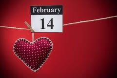 Februari 14, valentin dag, röd hjärta Arkivbild