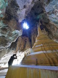 03 februari 2017 Yathaypyan grotta Hpa-an, Myanmar - hotographer t Arkivbild