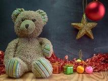 Fecha del Año Nuevo, oso de peluche Foto de archivo libre de regalías