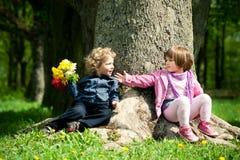 Fecha en parque Fotos de archivo libres de regalías