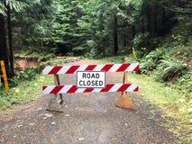 Fechado da estrada devido ao corrimento em Oregon Imagem de Stock