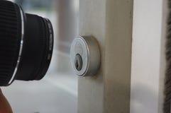 Fechadura da porta do tiro da câmera Foto de Stock