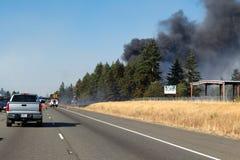 Fechamento da pista em I-5 devido ao fogo de escova Imagens de Stock