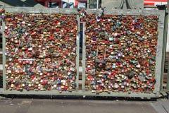 Fechamento Gallary do amor, água de Colônia, Alemanha Fotografia de Stock