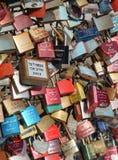 Fechamento Gallary do amor, água de Colônia, Alemanha Fotos de Stock