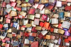 Fechamento Gallary do amor, água de Colônia, Alemanha Fotografia de Stock Royalty Free