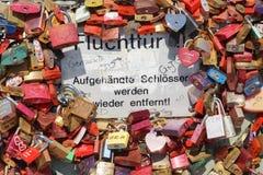 Fechamento Gallary do amor, água de Colônia, Alemanha Imagem de Stock