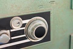 Fechamento na caixa segura do metal da segurança imagens de stock