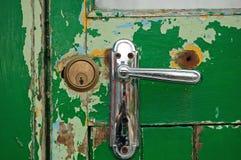 Fechamento novo da porta velha do contraste Foto de Stock Royalty Free